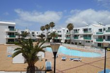 Apartment in Costa Teguise - Costa Teguise Beach 1 bedroom - 4 ppl-...