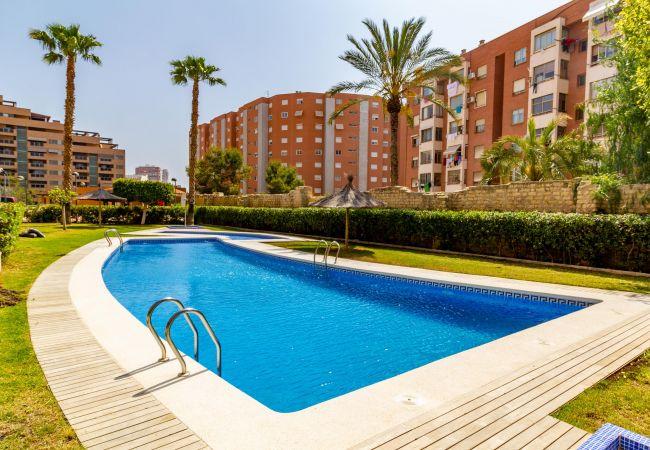 in Alicante - Puertomar 3 bedroom Apt. - 4 ppl